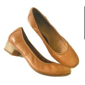 Born soft leather mini heels